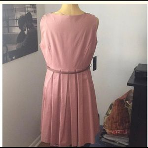 Zara Dresses - Zara Swing mid-length dress
